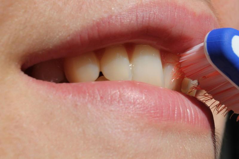 le regole per una corretta igiene orale