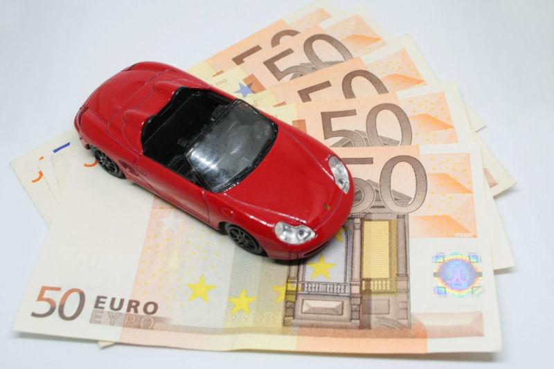 consigli su come risparmiare sull'assicurazione auto