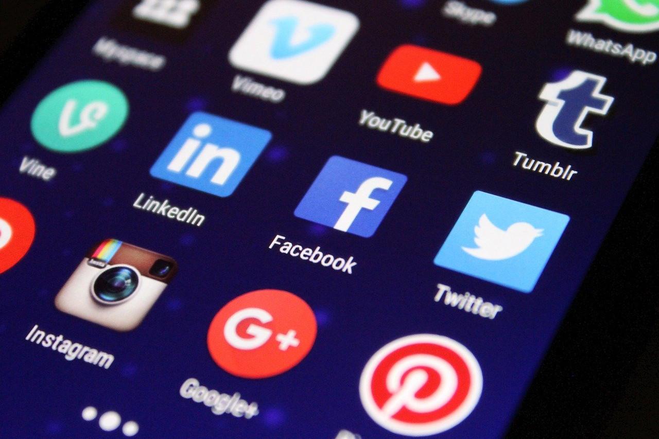 come funzionano i social network